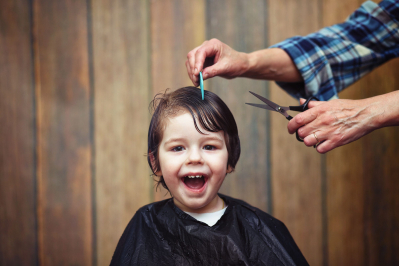 How to find a good kids haircut place and cut boy without the tears